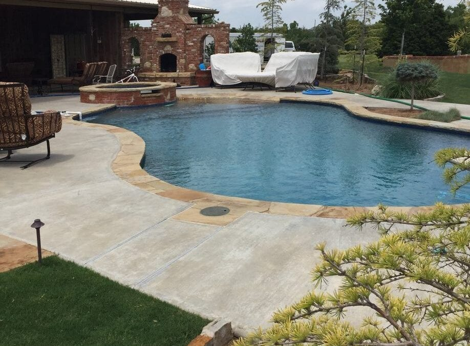 Weekly Pool Maintenance in Dallas Texas