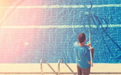 5 Things to Consider When Hiring a Commercial Pool Cleaner